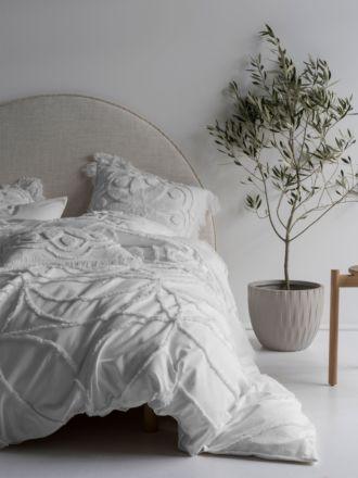 Manisha White Quilt Cover Set
