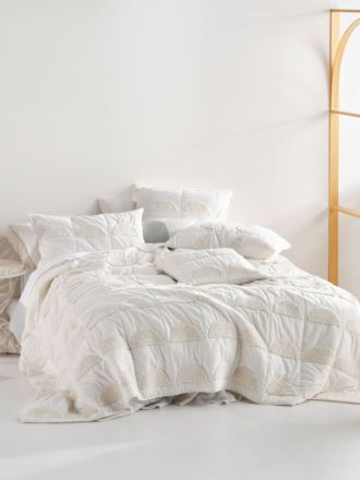 Moonrise Sugar Bed Cover