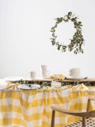 Set Descending Direction. Mina Pineapple Tablecloth