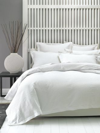 Deluxe Waffle White Quilt Cover Set